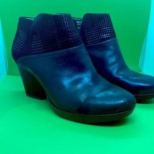 Dansko Short Black Boots. Size 10 (Euro 42)